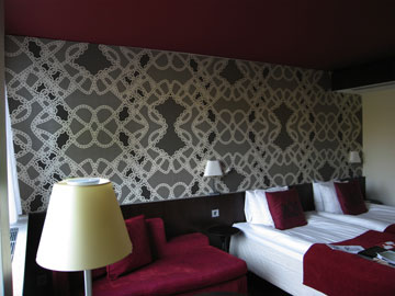 Wallpaper Lace at Hotel Scandic Anglais